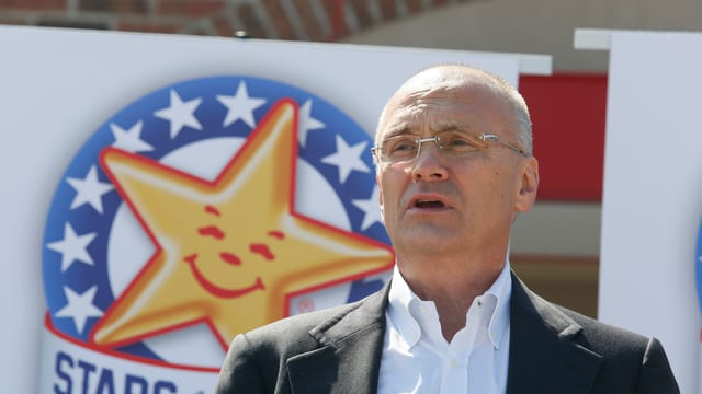 Andrew Puzder na fa betg part dal cabinet dal president dals Stadis Unids.