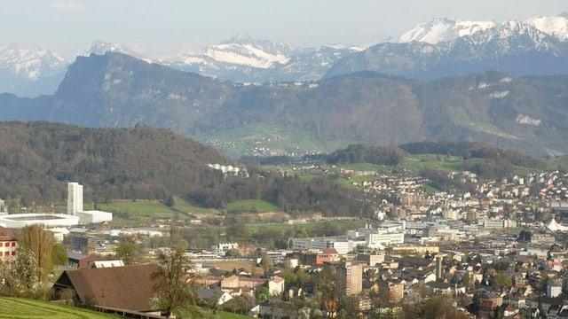 Blick über die Agglomeration Luzern in Richtung Alpen.