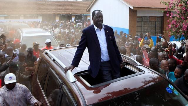 Odinga während Auto-Korso.