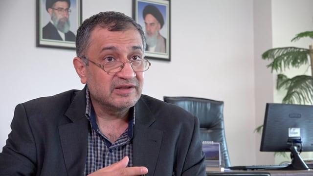 Masoud Tajrishi im Büro