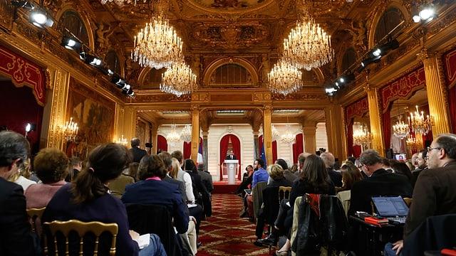 Hollande vor Journalisten im Elysee Palast im letzten Jahr.