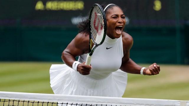 Giugadra da tennis.
