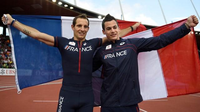 Lavillenie und Menaldo freuen sich über ihre Medaillen.