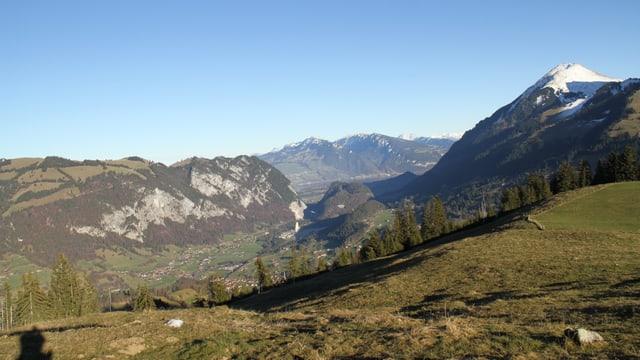 Hier war es richtig warm: Tschuggen ob Oey auf 1600 Metern über Meer mit Blick auf den Thunersee.
