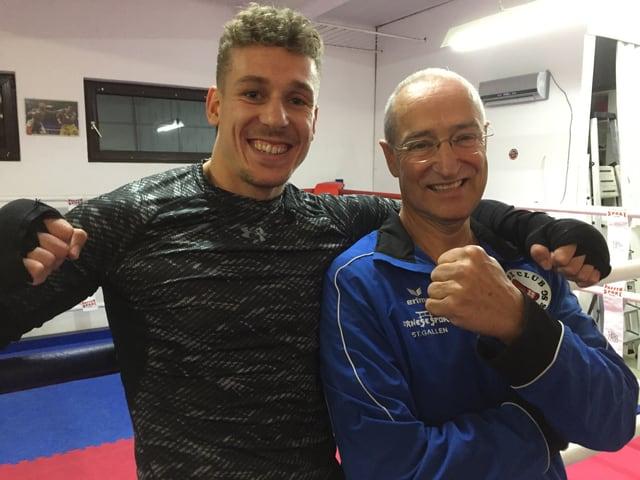 Zino Meuli zusammen mit seinem Trainer René Engler.