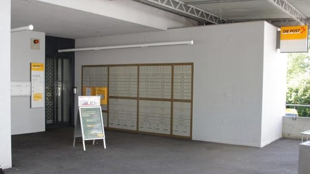 Eingang der Post in Bättwil-Flüh.