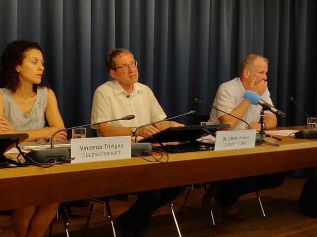 Medienkonferenz der Aargauer Regierung zum Rücktritt von F. Roth.