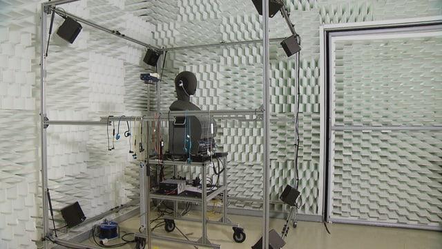 Labor mit Kunstkopf für Geräuschmessungen.