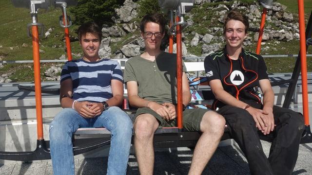 Da sanester: Julian Cavigelli, Nino Cajochen e Curdin Meier.