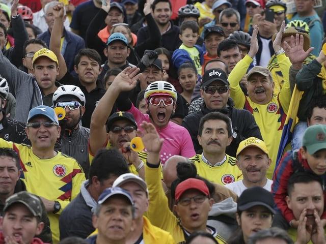 In Bernals Heimat Zipaquira verfolgten die Menschen am Samstag die 20. Etappe.