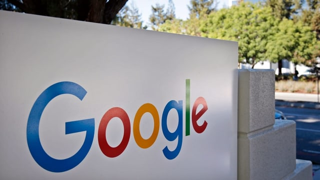 Il logo da google en differentas colurs