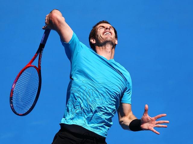 Andy Murray bei einem Aufschlag.
