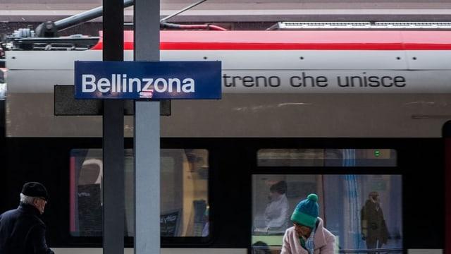 Purtret da la staziun da Bellinzona.