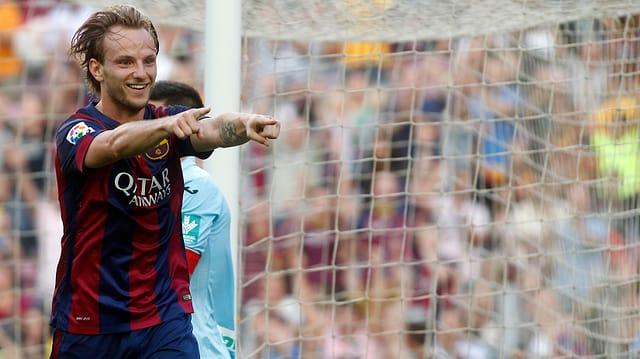 Ivan Rakitic bejubelt seinen Treffer zum 2:0 gegen Granada.