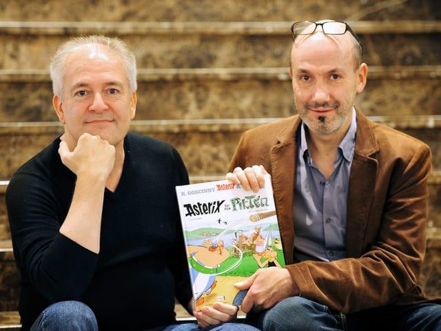 Didier Conrad und Autor Jean-Yves Ferri mit dem 35. Band «Asterix bei den Pikten».