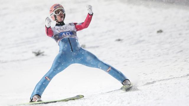 Stefan Kraft triumphiert in Oberstdorf.