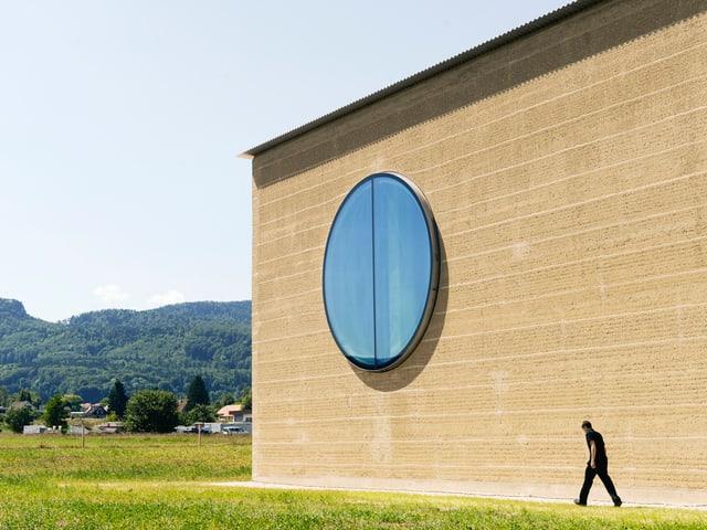 Fassade des Kräuterzentrums.
