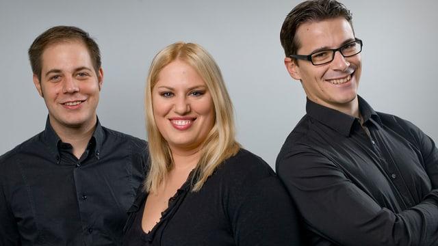 Gruppenbild mit zwei Männern und einer Frau.