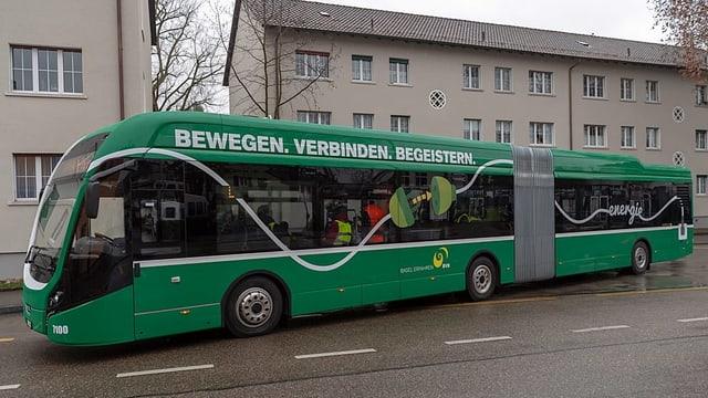 Bus auf Strasse