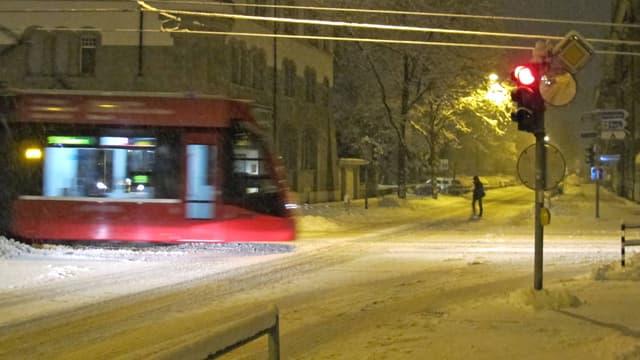 Tram im Schnee