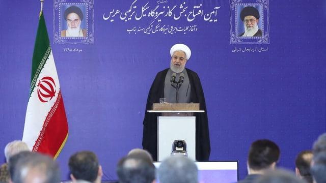 Hassan Rohani an einer Pressekonferenz