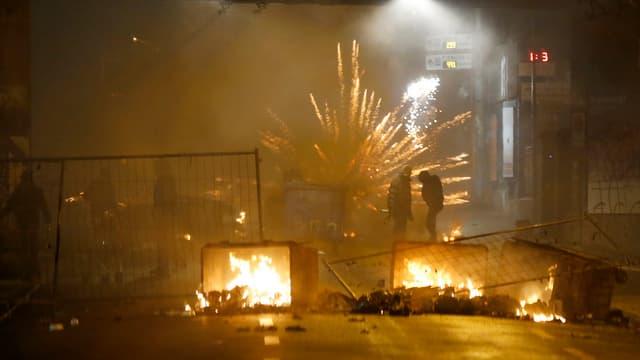 Brennende Barrikaden bei der Berner Reitschule