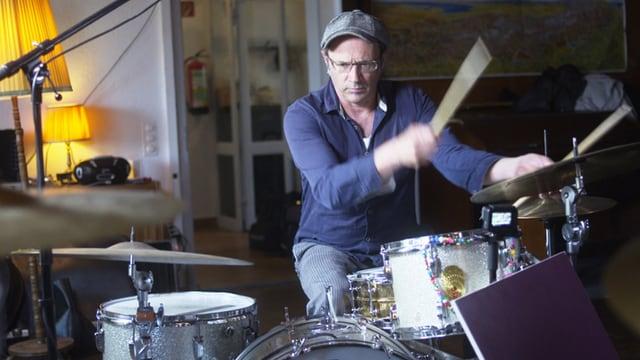 Video «100 Jahre Schlagzeug - Kunos und Bünes präzise «Handwerker»» abspielen