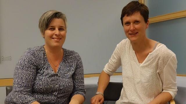 Pia Plaz, la coordinatura da la »Revista digl noss Sulom» (sanester), e Zegna Pittet-Dosch, la presidenta da l'Uniun Rumantscha Grischun Central.