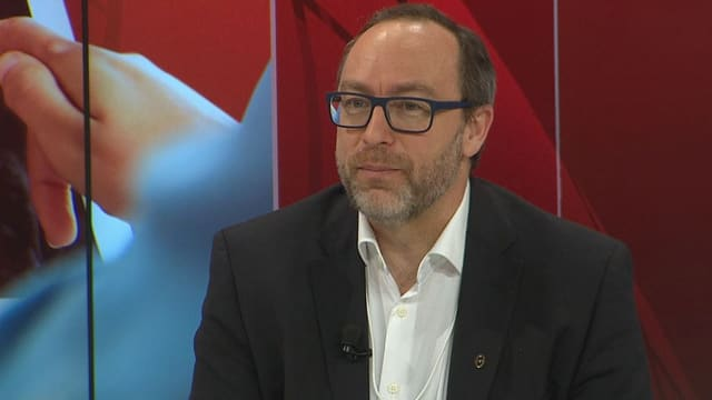 Jimmy Wales in der SRF-Podiumsdiskussion am WEF.
