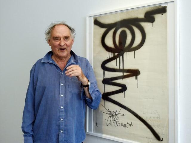 Naegeli vor seinem Werk «Das Auge»