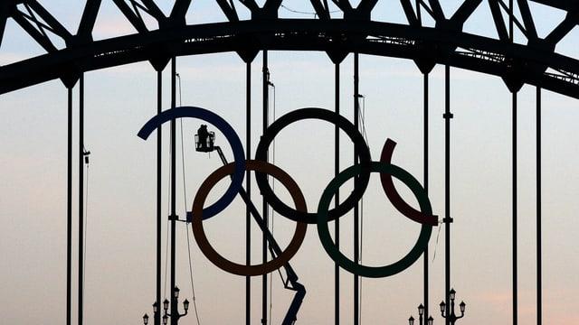 Purtret da rintgs olimpicsche vegnan construids.