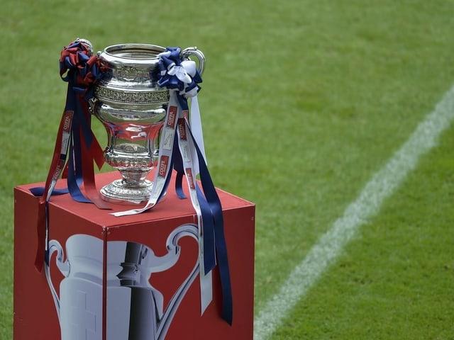 Die Cup-Trophäe.