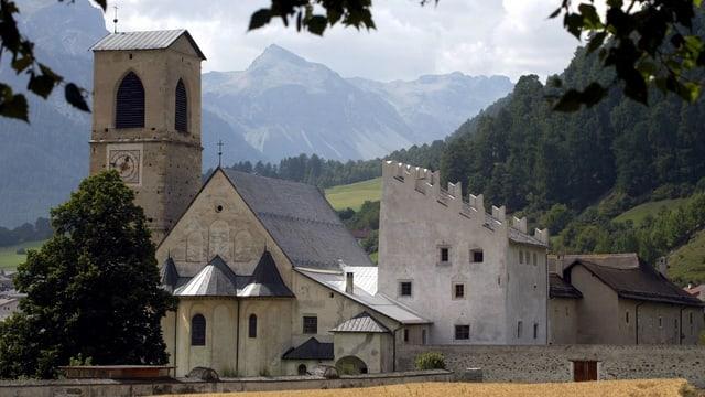 Kloster inmitten der Berge