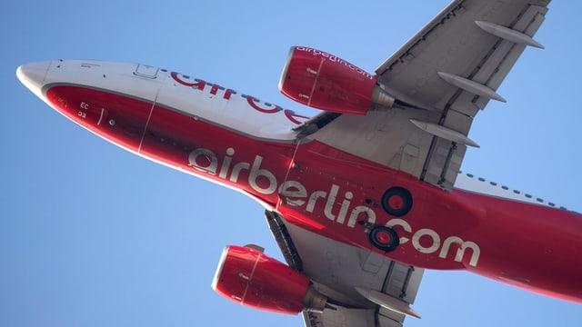 Ein Jet von Air Berlin im Steigflug