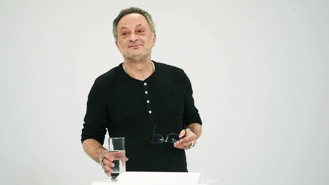 Autor Feridun Zaimoglu hält die Eröffnungsrede in Klagenfurt.