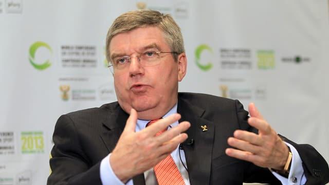 IOC-Präsident Thomas Bach kündigt in Johannesburg Veränderungen an.
