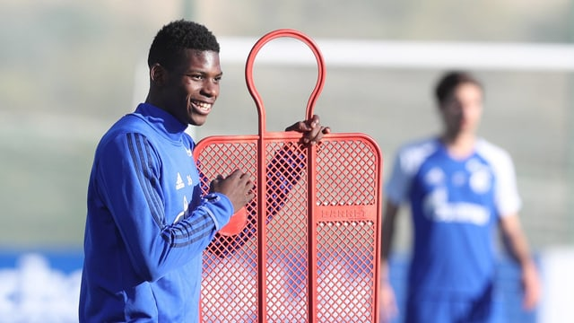 Schalkes Breel Embolo im Training