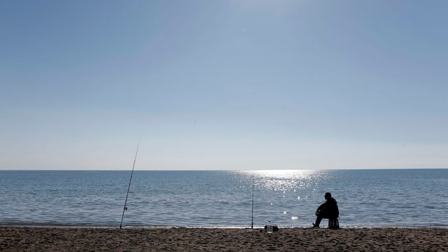 Fast leerer Strand in der türkischen Feriendestination Antalya.