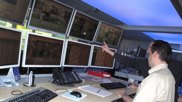 Blick in die Verkehrsmanagementzentrale des Astra.