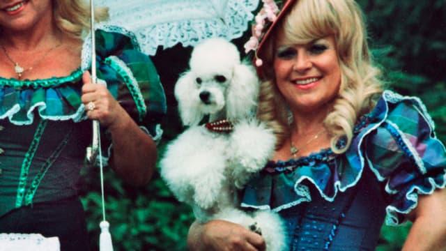 Portrait Johanna Jacob mit Puddel