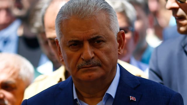 Il primminister tirc Binali Yildirim.