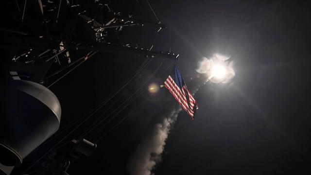 Amerikanische Rakete startet zum Angriff in Syrien