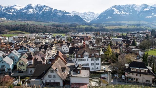Blick auf den Hauptort von Obwalden, Sarnen.