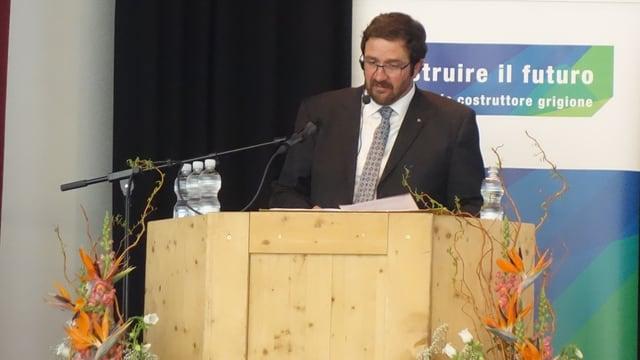 Markus Derungs, il president da la Societad Grischuna dals impressaris.