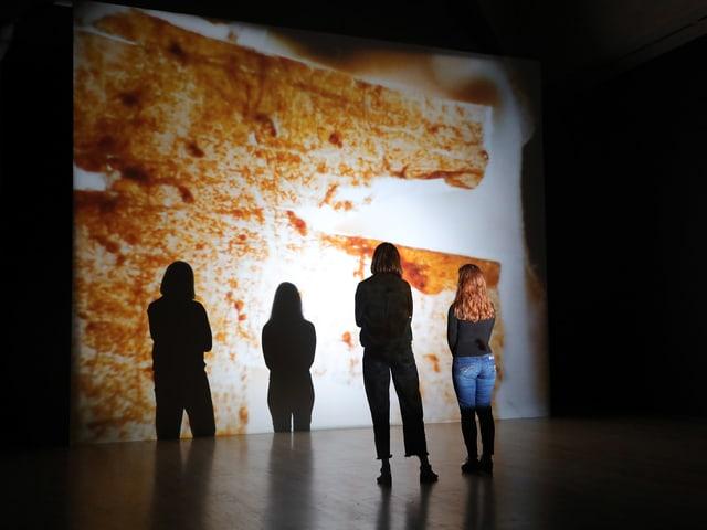 Eine Aufnahme aus dem Tate Modern London, wo Forensic Architecture ausgestellt wird.