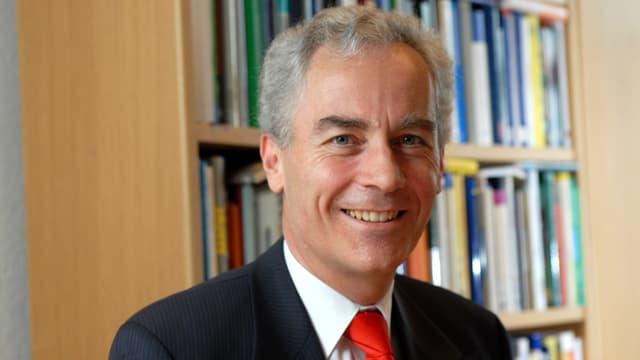 Porträtbild Bruno Staffelbach, neuer Rektor der Uni Luzern