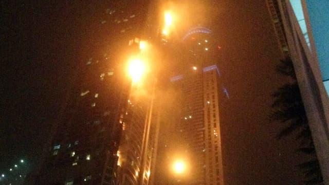 Flammen in einem Wolkenkratzer
