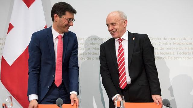 Bundesrat Ueli Maurer und der neue SIF-Staatssekretär Jörg Gasser: «Auf Anhieb gut verstanden.»