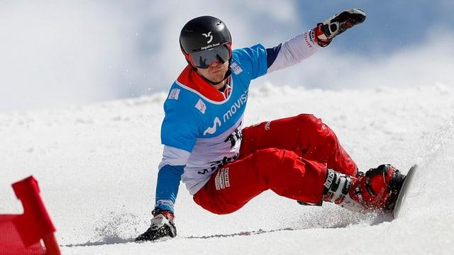 Nevin Galmarini en acziun durant il slalom gigant a Sierra Nevada.