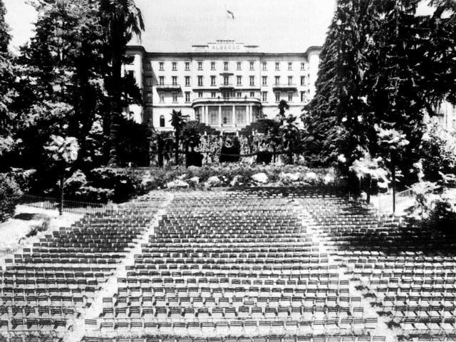 Park des Grand Hotel Muralto, 1947.